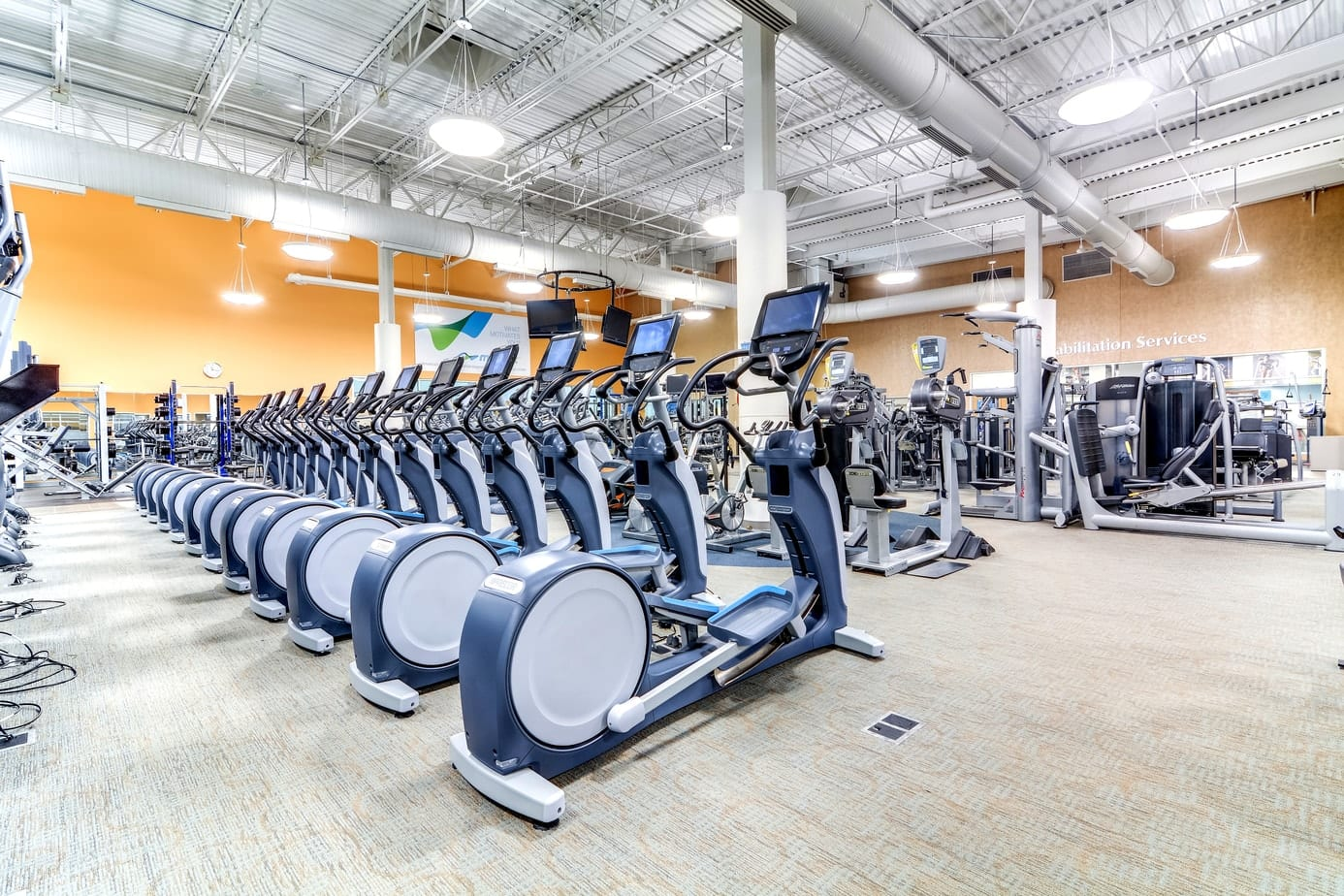 Fitness Floor - CENTRASTATE FITNESS & WELLNESS